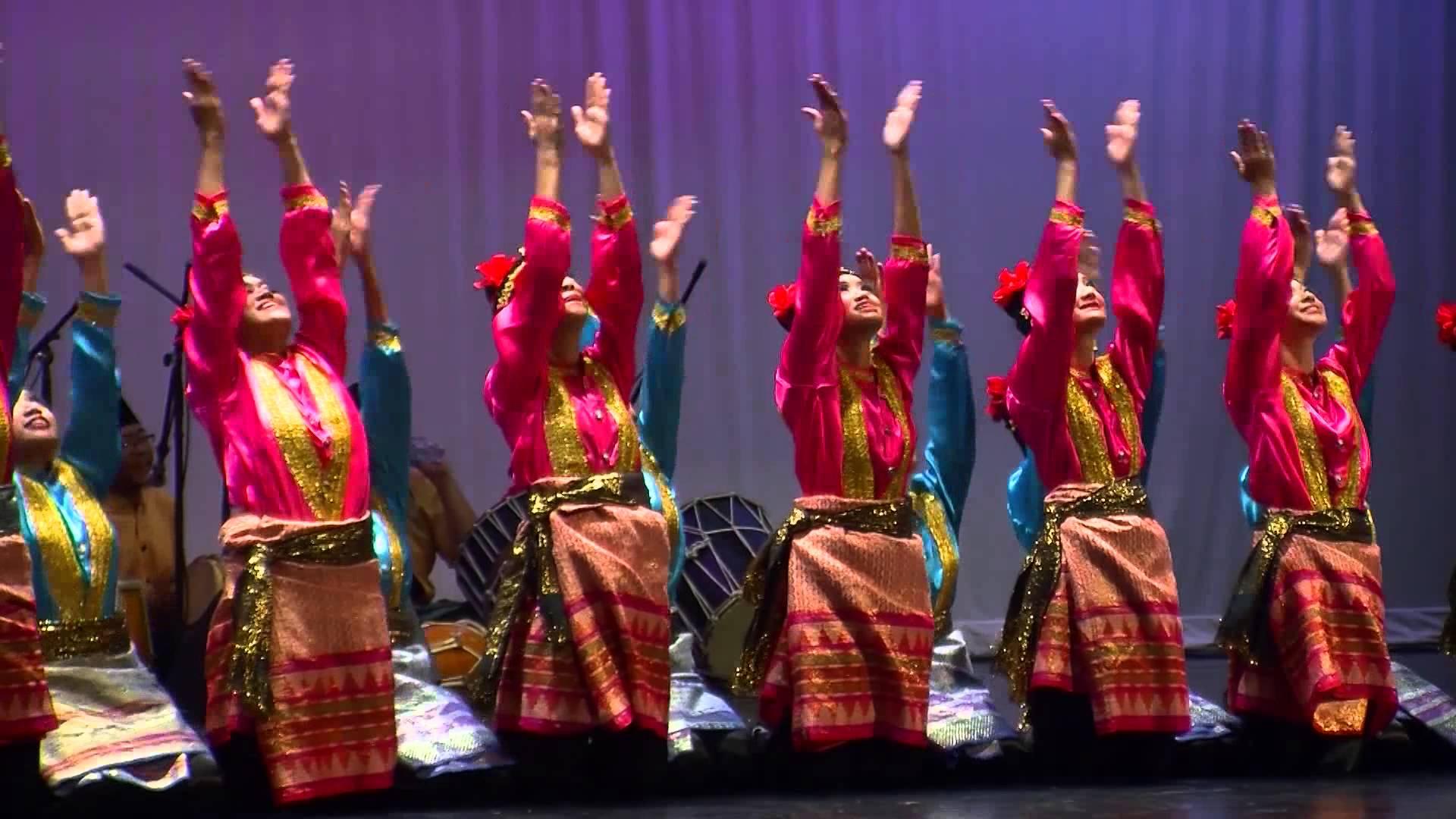 "Ensemble folklorique ""KTF Radha Sarisha"""